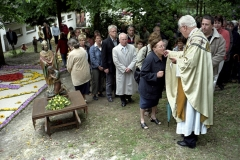 Nederland, Nunhem, 13 mei 2007. Inwoners en mensen uit de streek rond de Limburgse plaats Nunhem gaan ter communie tijdens de jaarlijkse Sint Servatius processie. Foto Roel Visser/ Hollandse Hoogte.